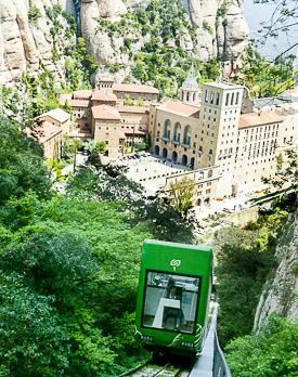 https://www.barcelona-tourist-guide.com/images/ext/attractions/montserrat/P275/montserrat-barcelona-2.jpg