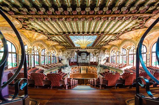 Concierto Clásico De Guitarra Española En Palau De La Música O Basílica De Santa María Del Pi