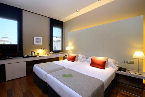 Rese a del grand hotel central por barcelona tourist guide - Insonorizacion de habitaciones ...