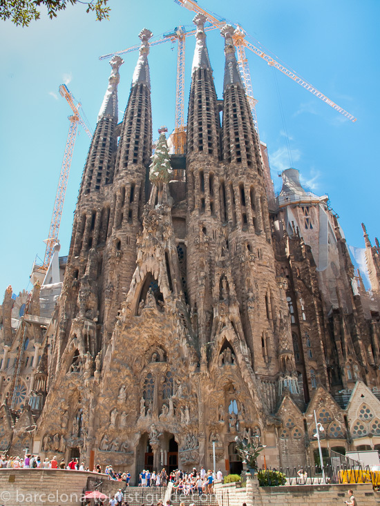 sagrada familia fast track ticket with towers access and. Black Bedroom Furniture Sets. Home Design Ideas