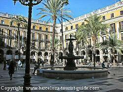 Plaça Reial in the Barri Gotic Quarter