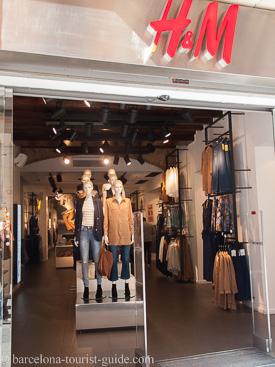 h m stores in barcelona catalunya spain. Black Bedroom Furniture Sets. Home Design Ideas