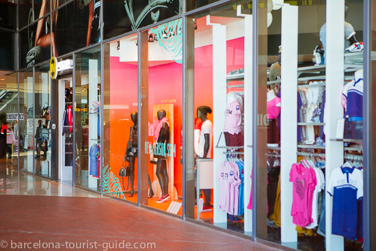 Maremagnum Shopping Centre Close to Barcelona Port Vell 995a81ab538