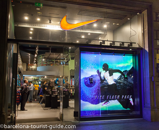 6c9be6f38762f Index of  images int shopping passeig-de-gracia 29-nike L550