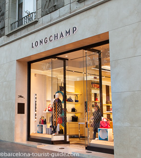 Longchamp Shop located in Passeig de Gràcia